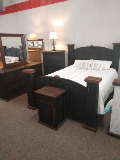 Mansion Black Distressed Bedroom